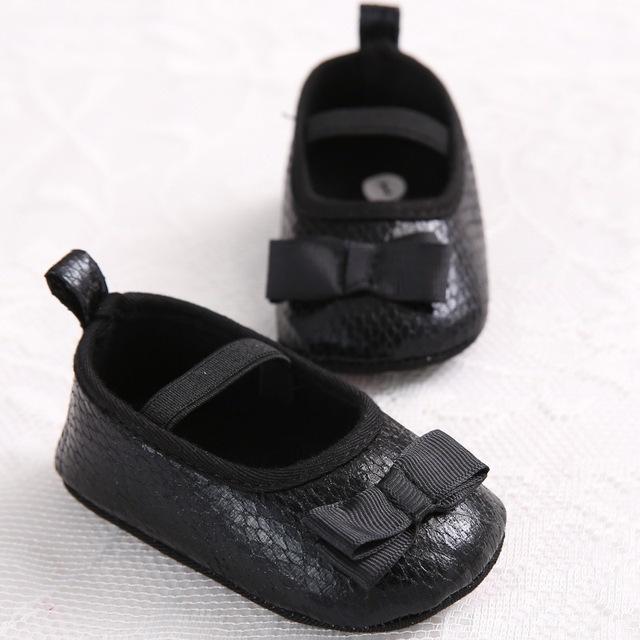 Обувь для малышей. Первые туфельки на мягкой подошве против скольжения. Кожа Кожа ...