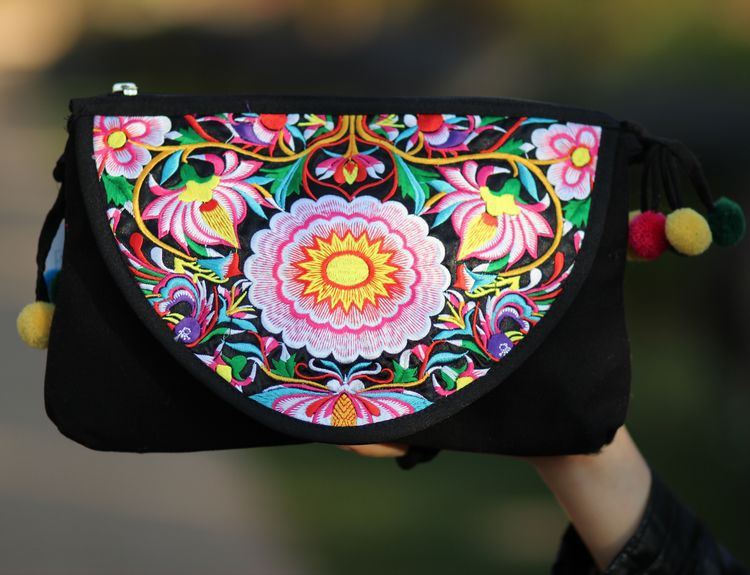 China Yunnan Flap Ethnic Embroidery Stylish Messenger Bags/Lady's Mini Flower Cross Body Hobo Travel Bag(China (Mainland))