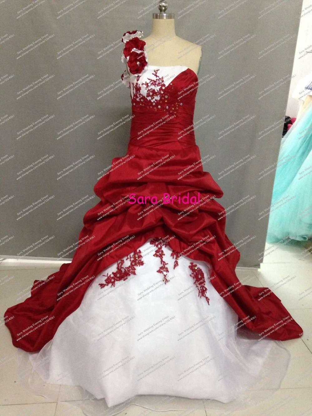 Charming vestido de noiva vintage One Shoulder Wedding Gown Appliques Court Train 2015 Real Picture White and Red Wedding Dress(China (Mainland))