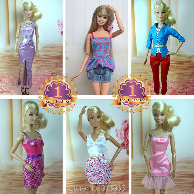 2015 new arrvial 18gadgets=6dress+6 sneakers+eight equipment doll's night Costume Garments sneakers bag For Barbie doll