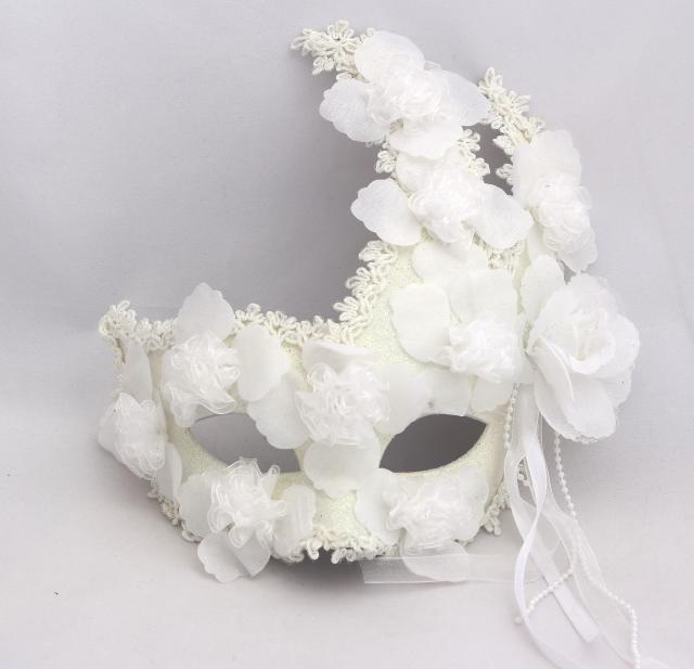 White Flower Gold Powder Lace Feather Fox Mask Princess Fashion for Halloween Wedding Masquerade Party Women
