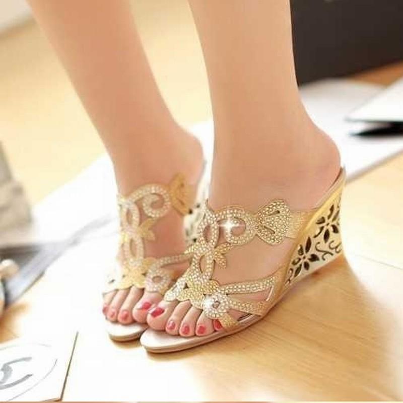 2015 Flower Cutout Wedges Summer Shoes Big Size 34-43 Fashion Women Rhinestone Sandals High Heels Flip Flops Wedges Shoe(China (Mainland))