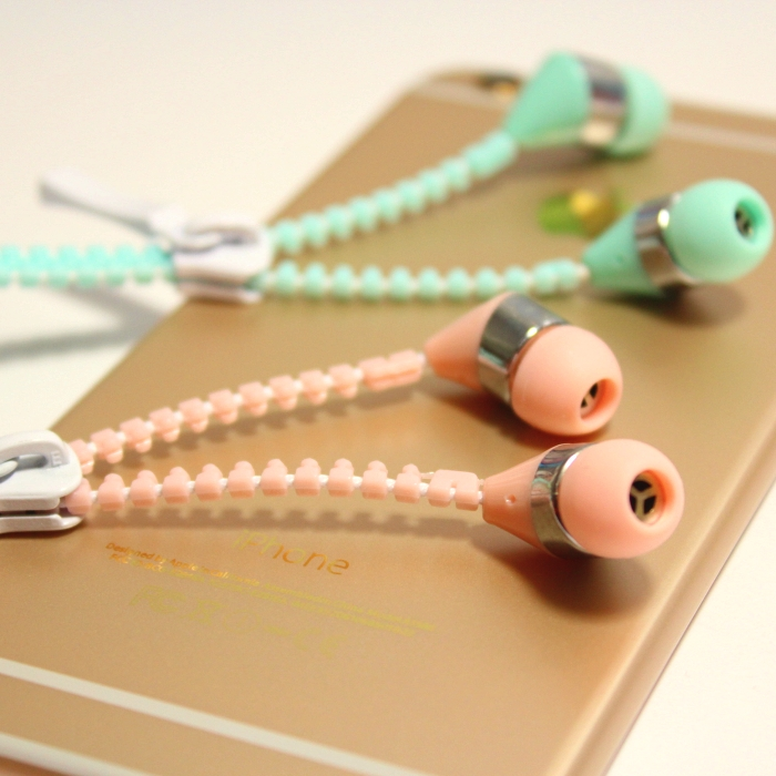 2016 New Arrival Candy Color font b Kids b font Gift Earphone Girls Earphones with Microphone