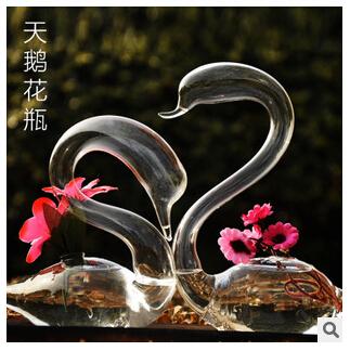 Une paire de verre créative amour cygne vase cadeaux de mariage la maison nouvelle maison arts décoratifs et de l'artisanat(China (Mainland))