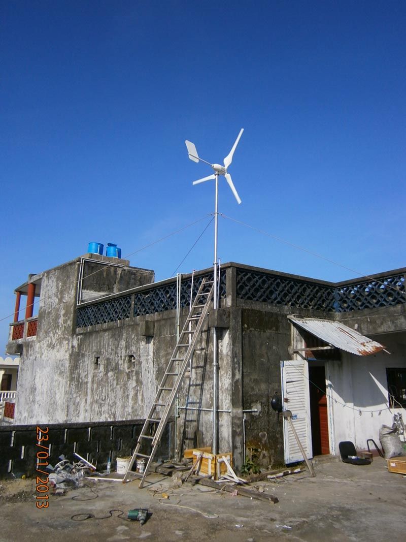 Off grid 1kw wind turbine generator+24V 1KW controller , Free shipping !