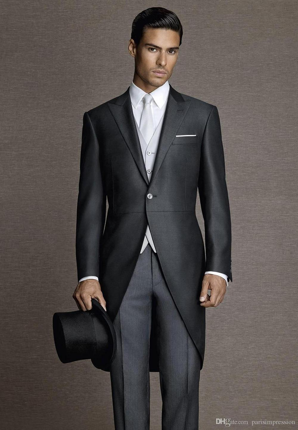 New Arrival Vintage Black Men Tailcoats Peaked Lapel Wedding Suits For Men Slim Fit Groomsmen Suits 3 Pieces Men Wedding Suits