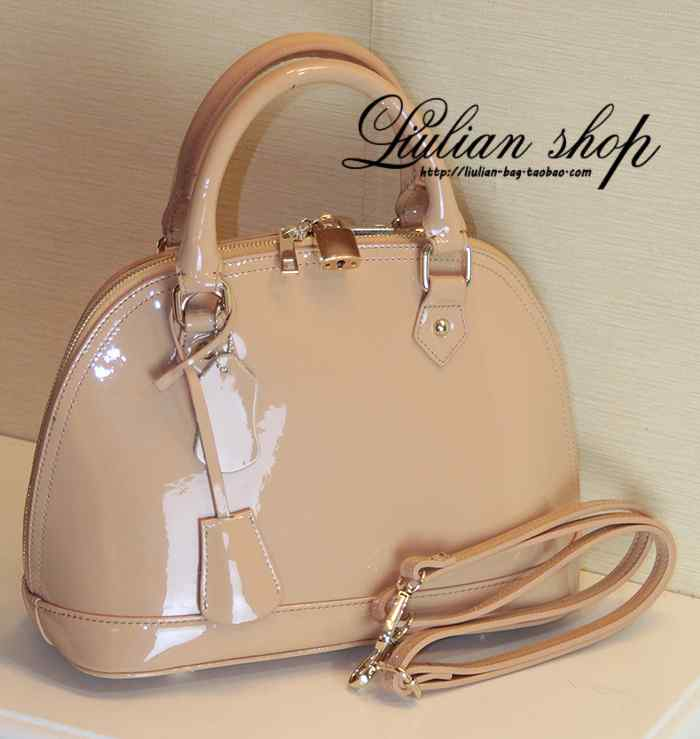 Pepper loves l Louis nude patent leather cowhide shell Pack mini laptop Messenger bag Small medium(China (Mainland))