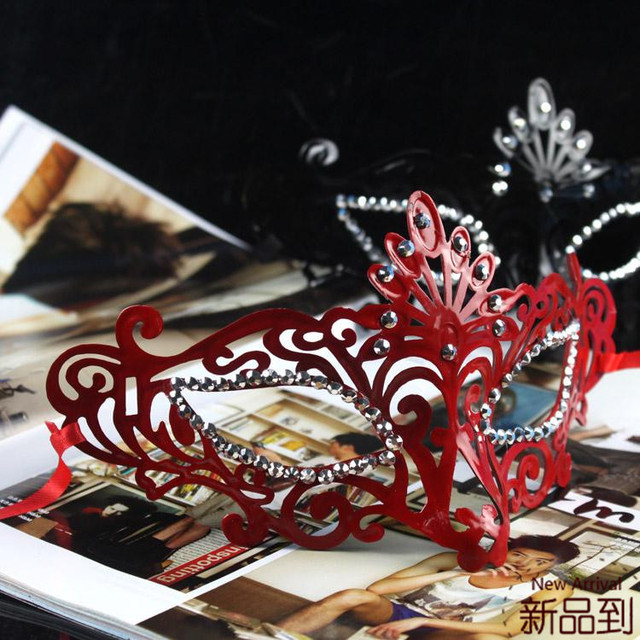 Free shipping Good quality Fashion luxury rhinestone prom princess mask costume ball eyeshade party decoration  wholesale PW003