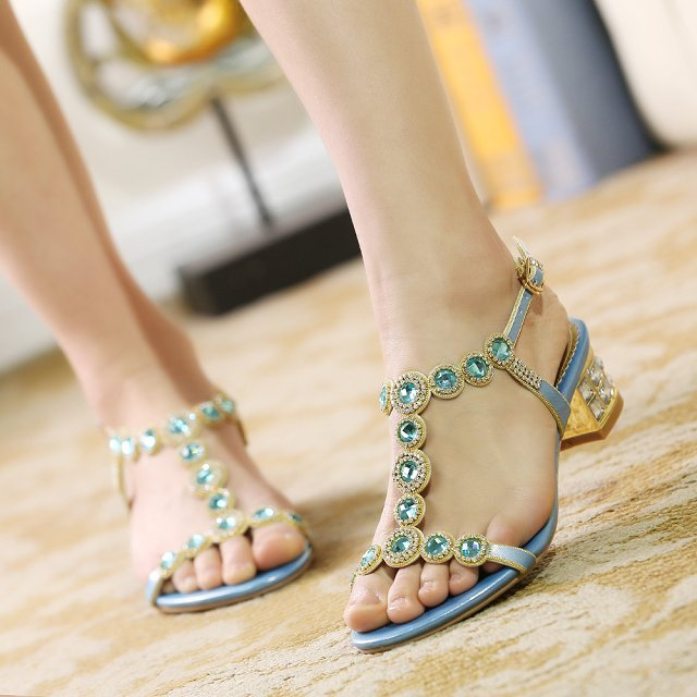 New 2015 summer genuine leather rhinestone sandals female thick heel diamond plus size women shoes elegant women pumps<br><br>Aliexpress