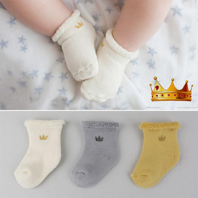 Горячая милый малыш мягкие корона шаблон носки младенцы дети мальчики девочки мода ...