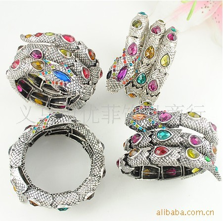 hottest 1 lot/5pcs Europe Punk Snake bracelet with mulitple Crystal Bangles Rock punk style chain Bracelets alloy  free shipping