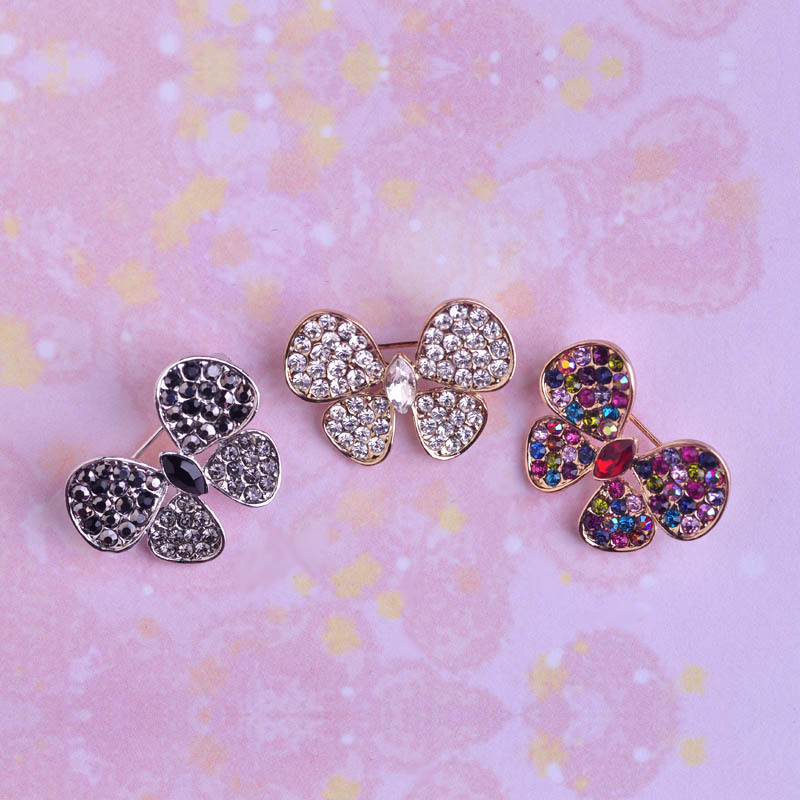 Wholesale 6pcs Fashion Butterfly Brooches 18K Gold Crystal Rhinestone Broches Temperament Lovely Ladies Chic Brooch Pins Jewelry<br><br>Aliexpress