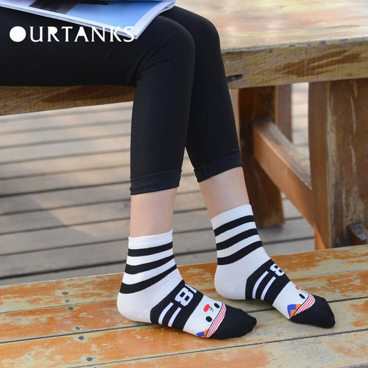 24pcs=12pair Woman girl cartoon bump color wear-resisting World Cup football sport cotton socks knitting 24pcs/lot(China (Mainland))