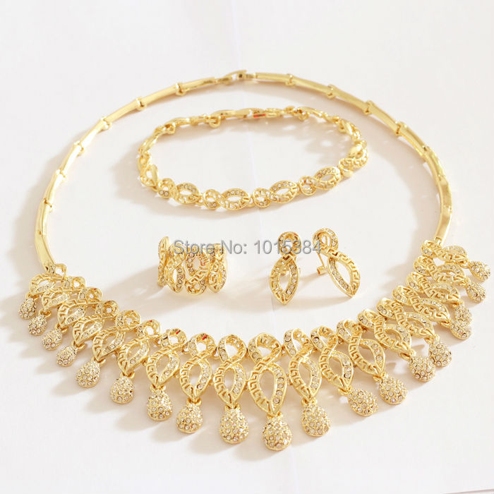 "CZ Quality Girlfriends Gift Dubai African Jewelry Set CLEAR Stone ""8"" SHAPED Fashion Jewellery Set Gold Plated Jewelry(China (Mainland))"