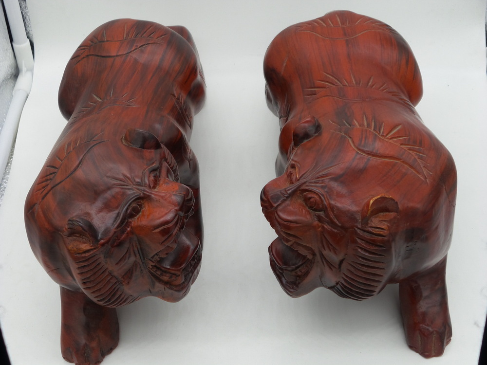 Wenge wood ornaments home decorations gifts office ornaments carved wooden tiger Megatron Quartet(China (Mainland))