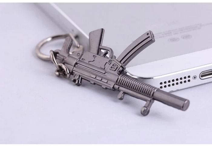 2015 חידוש פריטי וינטג הרפתקאות זמן AK47 אקדח גברים מחזיק מפתחות פאנק Keychain מפתח טבעת תכשיטים ואביזרי רכב מתנה לגברים