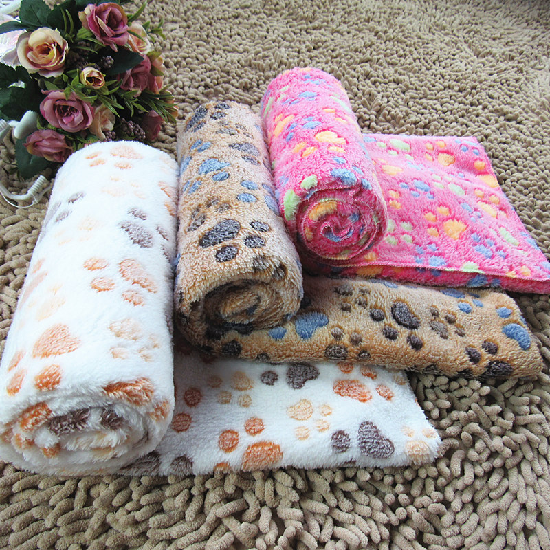 Free shipping,Manufacturers wholesale coral fleece fabric pet mat dog spot blanket for pet beds best choice for dog house(China (Mainland))