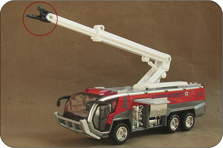 1/32 Airport Fire Engines Engineering Vehicle Model Toy Alloy Car Hot Kid Toys Car Model Best Gift Collection(China (Mainland))