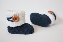 Crochet baby booties,Handmade baby girl baby boy white/navy blue wooden button winter boots baby shoes Choose Size:9cm 10cm 11cm