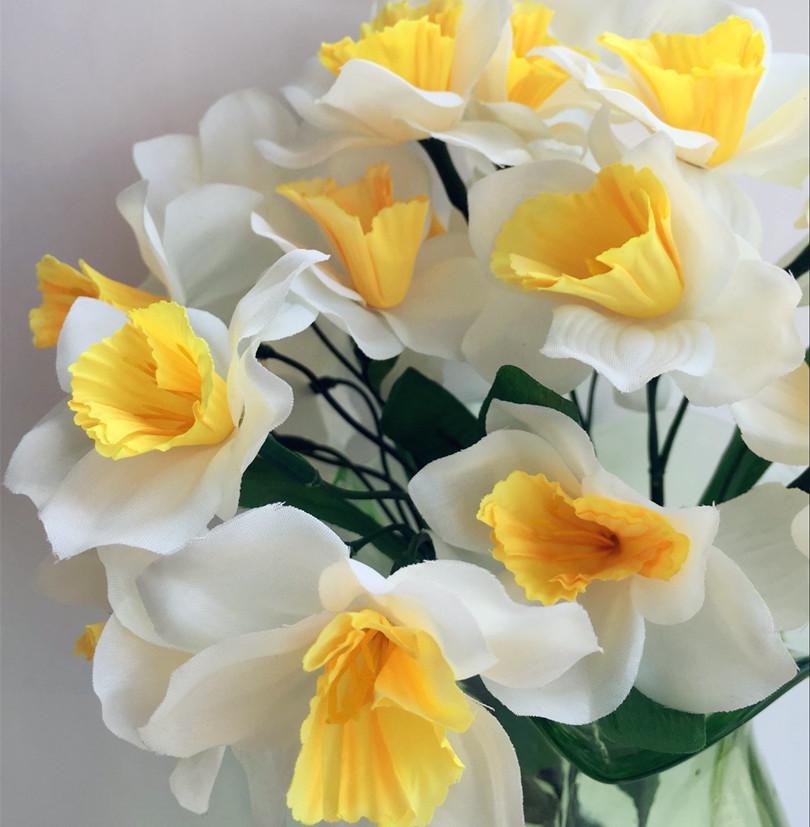 HOT 20Pcs Artificial Silk Flowers Simulation Daffodils Seven Stems Per Bush Home Decoration Wedding Flower(China (Mainland))