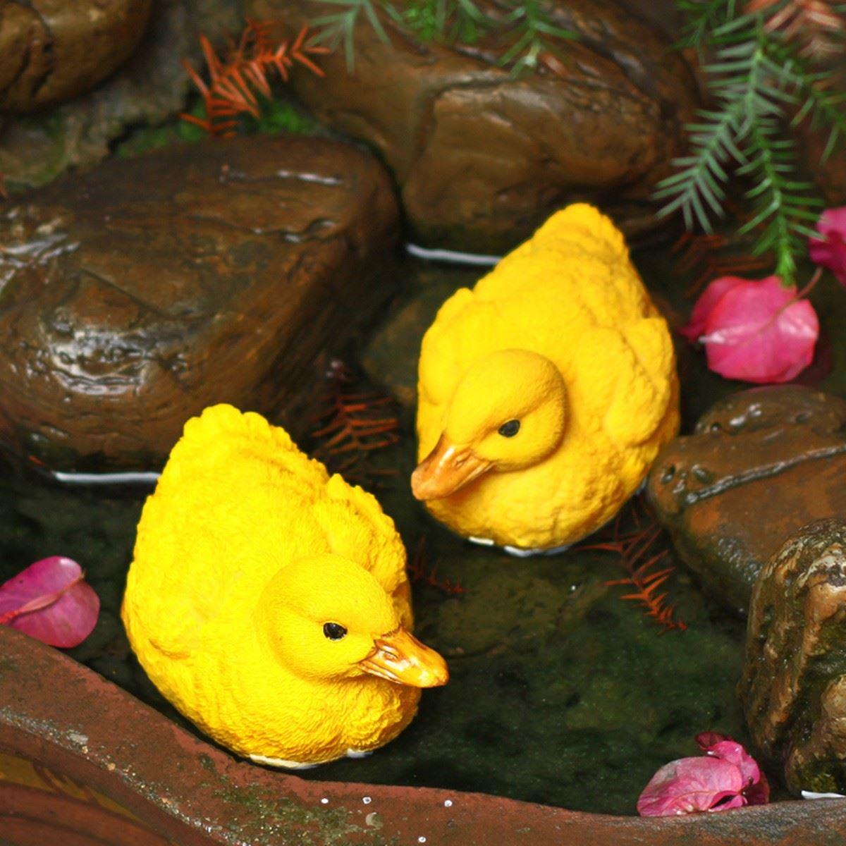 2pcs Small Resin Floating Ducks Outdoor Yard Garden Fish Tank Figurine Artificial Animal Statue Fountain Pond Decoration(China (Mainland))