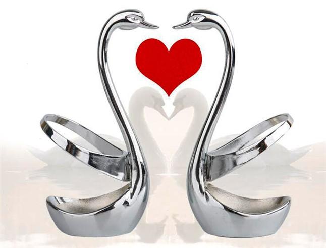 Buy Swan Dinnerware spoon set / stainless steel fruit fork / coffee spoon / Little Swan pedestal / wedding party tableware gift set cheap