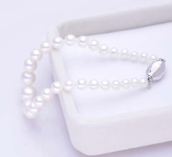 Free shipping!!!Freshwater Pearl Bracelet,christmas, brass bayonet clasp, Round, natural, white, 4-8mm, Length:Approx 7 Inch