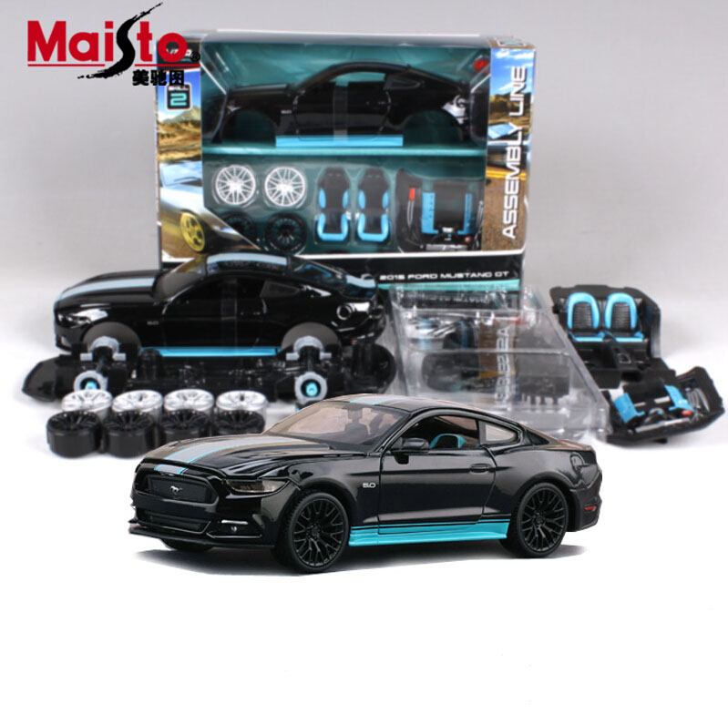 Brand New DIY Maisto1:24 Assembly model Car Mustang 2015 Assembly model ALLOY TOY VEHICLE DIY Block CAR MODEL Toys Toy car(China (Mainland))