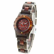 2013 respetuoso del medio ambiente nueva moda buena venta de reloj de madera para la señora resistente al agua reloj de madera para la señora