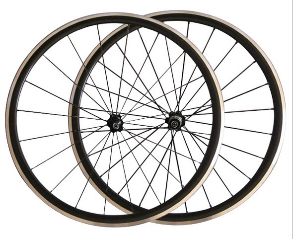 TAIWAN XR-300 road bike wheel, kinlin alloy road bicycles wheelset 700C 20/24 holes light weight wheels novatec hub(China (Mainland))