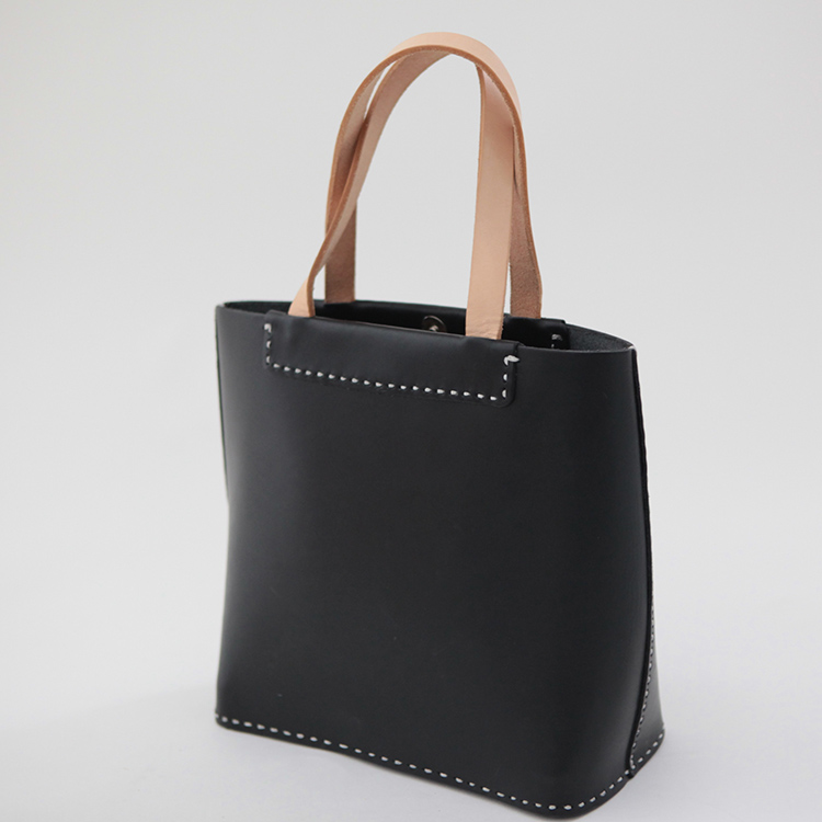 Vegetable tanning Black Genuine Leather Tote Bag handmade artist classical Totes Casual Cow leather Versatile Women Handbags(China (Mainland))