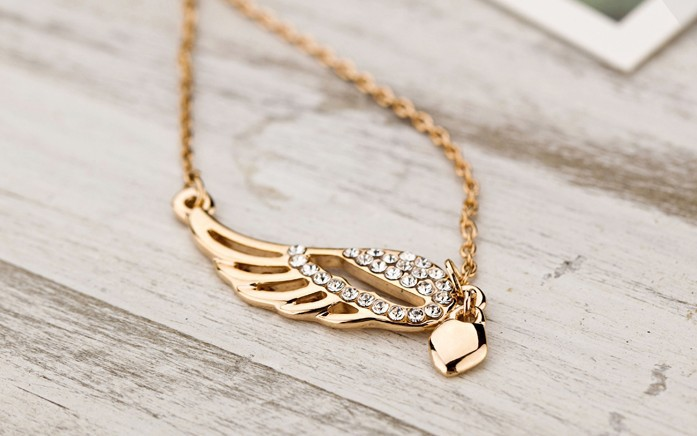 Free shipping! Fashion Jewelry! elegant women,peach heart Angel Wings pendant clavicle Necklace NL072 el collar(China (Mainland))