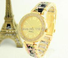 2015 nuevas mujeres de moda de lujo a estrenar reloj de oro de la aleación de diamante reloj de cuarzo Casual relojes