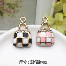 Wholesale Rhinestone decoration Alloy drop oil gold plated tartan check handbag shape jewelry charms diy phone/key chain pendant