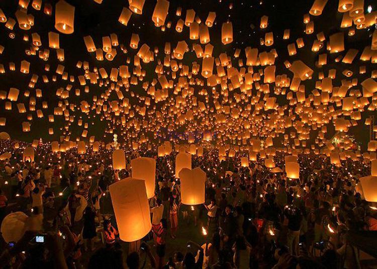 4pcs/lot Chinese kongming lanterns Christmas SKY Balloon Kongming wishing Lanterns Flying Light Halloween Lights(China (Mainland))