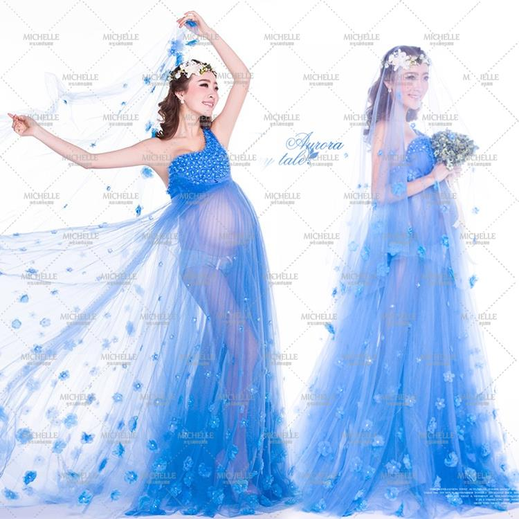 2015 Studio pictures of pregnant women photography sexy photo topic perspective petal wedding pregnancy photographs(China (Mainland))