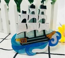SexeMara di Vendita Caldo Barca A Vela Acrilico Della Resina Spilla Per Le Donne Degli Uomini di Figura della Barca Spilla Per I Vestiti Accessori Corpetto Spilli Pinze(China)