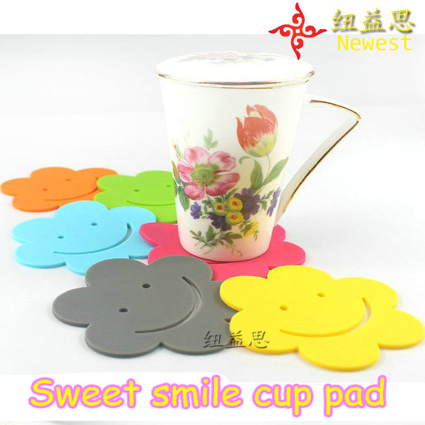 happy flower smile face round shape creative promotinal gift silicone cup pad coaster silica gel mats - Shenzhen Future Beauty Tech Co. Ltd store