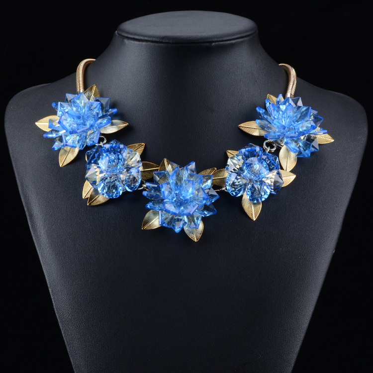 2015Fashion Necklaces & Pendants Women Candy Color Flower Gold Chain Collar Chunky Statement Necklace Fine Pearl Jewelry Crystal(China (Mainland))
