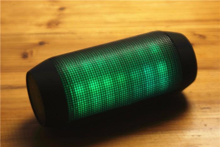 ถูก เสียงที่ดีที่สุดแฟลชLEDโคมไฟมินิยาลำโพงชีพจรแบบพกพาไร้สายบลูทูธลำโพงสนับสนุนNFCสำหรับXiaomi,โทรศัพท์