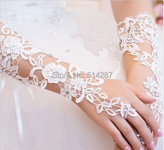 Fashionable Elegant The Bride Wedding Dress Gloves Luxury Diamond Cutout Lace Ivory Gloves Fingerless Gloves Wedding Accessories(China (Mainland))