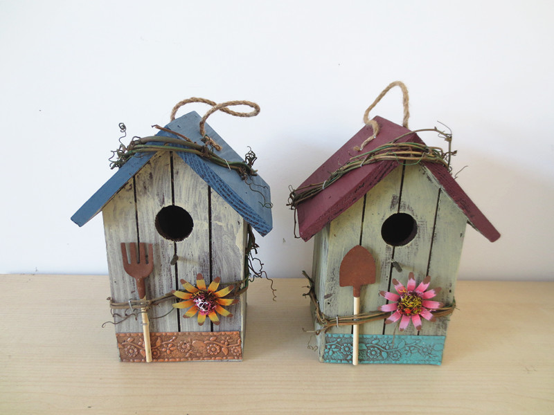 Wooden bird house wood bird nest garden decoration bird for Wooden garden decorations