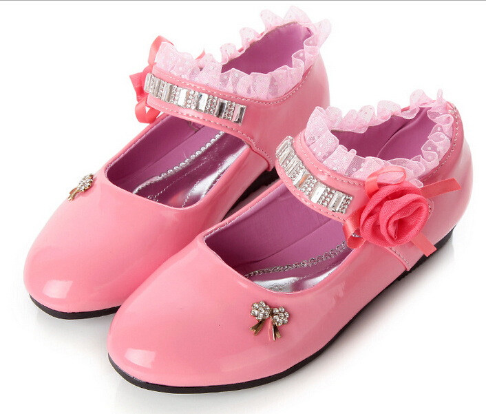 New 2015 Spring/Autumn Girls Leather Shoes Princess Dress Shoes Children Rhinestone Lace Shoes Black Pink Red Kid's Sneakers 3A(China (Mainland))