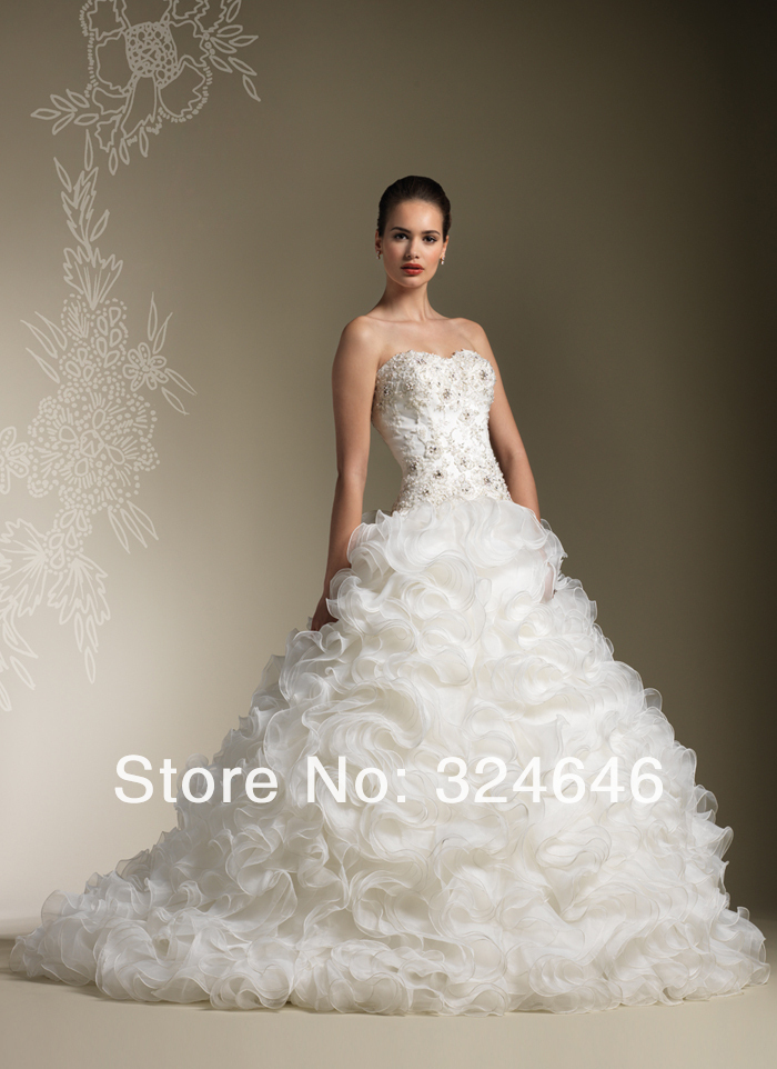 Sweetheart beaded lace bodice chapel length train buttons Lace button back wedding dress