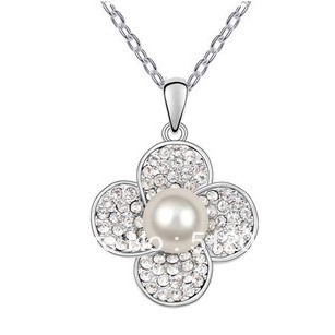 Silver Chain Clothing Accessories Full Rhinestone Flowers Pendant Necklace Simulated Pearl & Cz Crystal Alloy Necklace Female(China (Mainland))