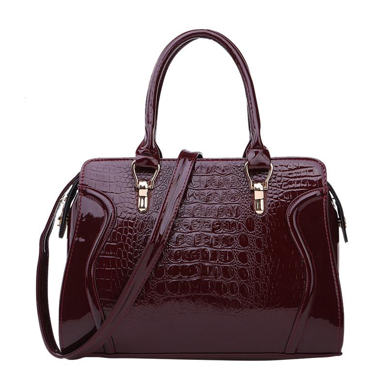 2015 summer paragraph handbag bag middle aged woman middle aged woman mother crocodile bag Messenger bag