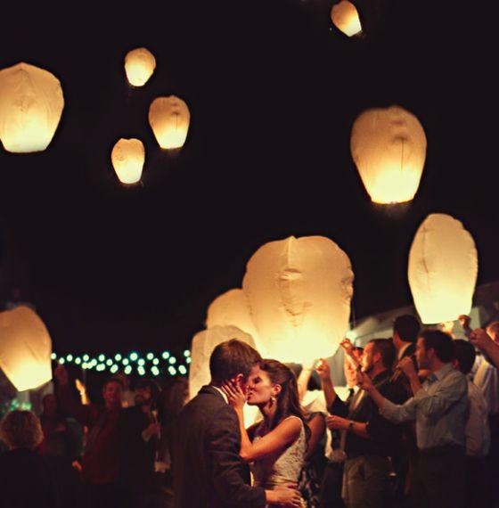 White Color Paper Floating Lanterns Chinese Paper Wedding Lantern Sky Lanterns Flying Wishing Light Wedding Decor Balloons(China (Mainland))