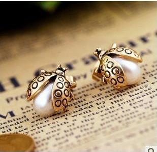 2015 New Hot Selling Fashion Cheap Vintage Pearl Cute Ladybug Earring Ear Stud Free Shipping XY-E148(China (Mainland))