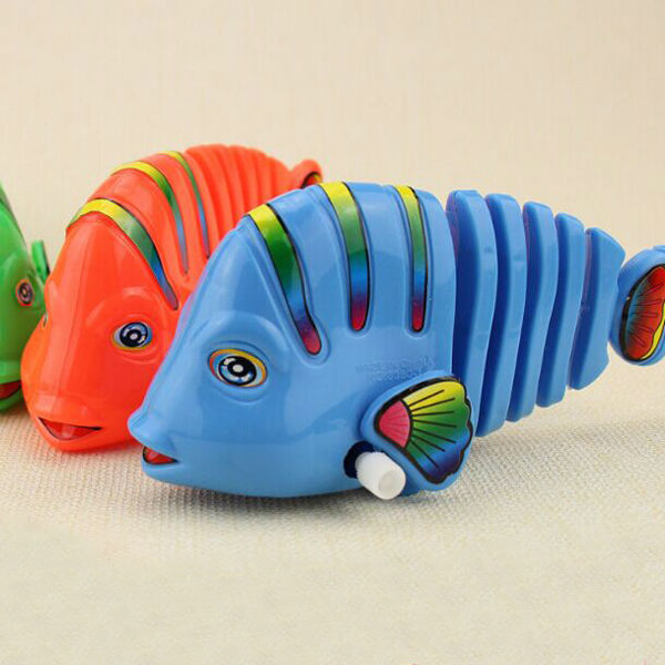 Free Shipping Small Vintage Wind Up Toy Clockwork Toys Funny Plastic Fish For kids(China (Mainland))