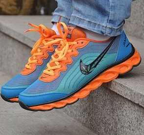 Hot explosion models ! The new lightweight breathable mesh running shoes casual shoes couple models(China (Mainland))